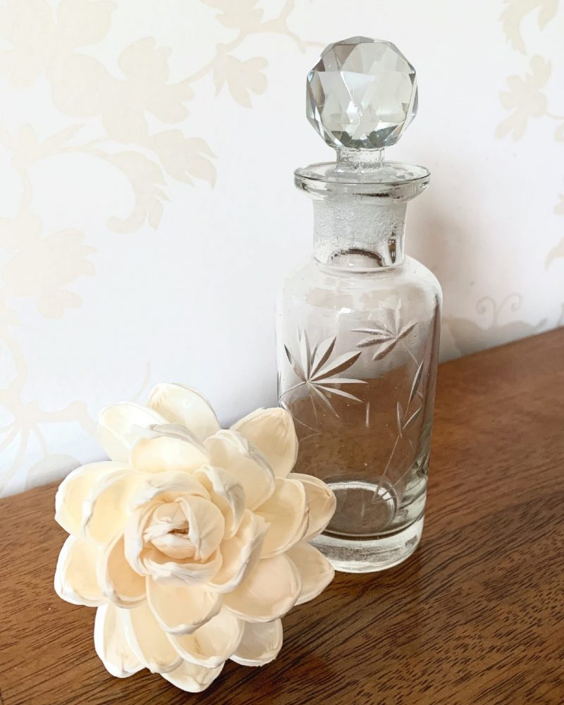 Vintage style etched bottle with stopper