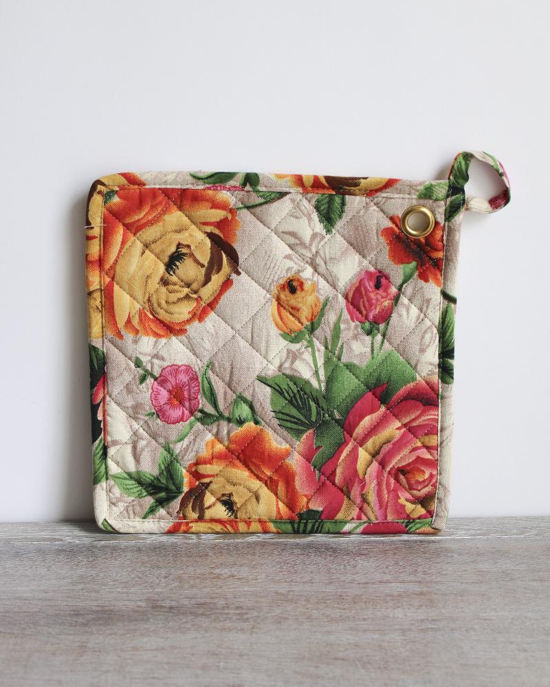 rose print quilted potholder