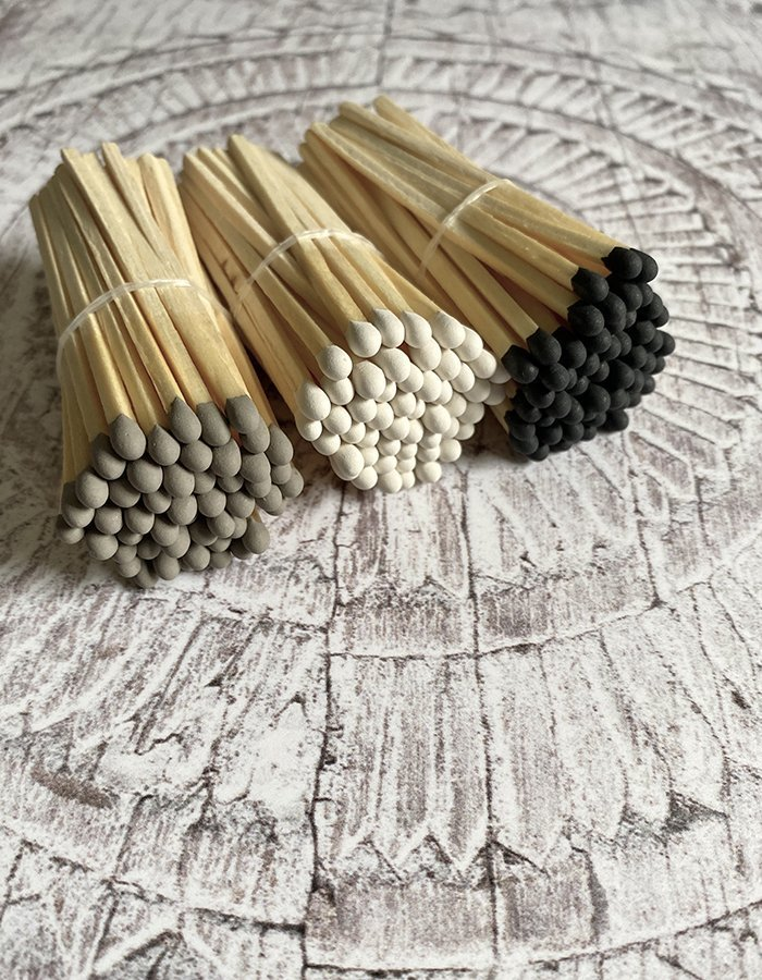 Colour tipped long matches